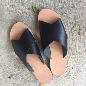 Topshop NWOB Black casual everyday slides